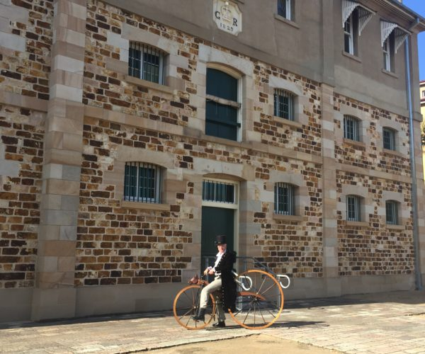 Visitor from the past – on two wheels around Brisbane